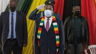 El presidente zimbabuense Emmerson Mnangagwa, el 22 de agosto de 2020 en Bulawayo