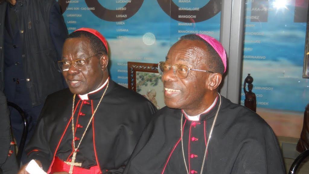 Maaskofu wa Kanisa Katoliki DRC Kushoto ni Kadinali Laurent Monsengwo Pasinya, ambaye ni Mwenyekiti wa Baraza la Maaskofu nchini humo