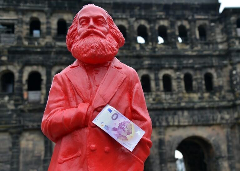 پنجم می امسال مصادف است با دویستمین زادروز کارل مارکس بنیادگذار فلسفه مارکسیسم و مکتب سیاسی کمونیسم.
