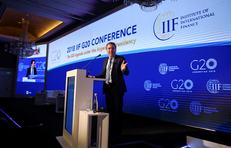 El ministro argentino de Hacienda Nicolás Dujovne en la una conferencia de presentación del G20 en Buenos Aires, Argentina, el 18 de marzo de 2018.