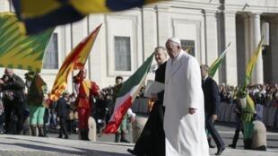 El Papa Francisco impulsa, junto con 9 cardenales, una reforma del funcionamiento de la Iglesia.