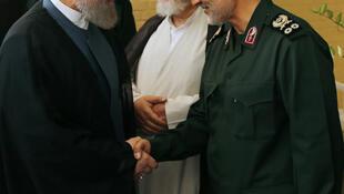 Shugaban kasar Iran Hassan Rohani tare da Marigayi Qassem Soleimani, babban kwamandan Sojin kasar.