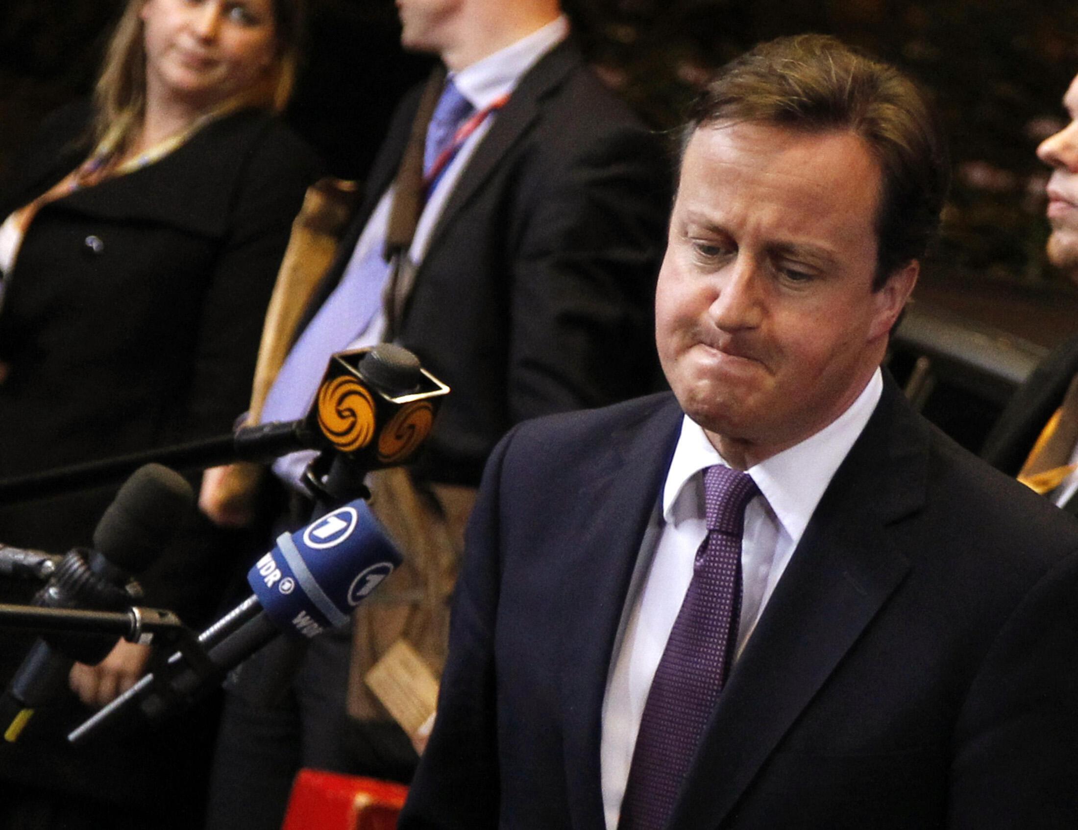 Waziri Mkuu wa Uingereza David Cameron anayetarajiwa kuzuru nchini Myanmar hapa akizungumza na Wanahabari huko Ubelgiji, Brussels
