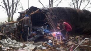 Sur les îles de l'archipel dévastées par le cyclone Pam les dégâts sont immenses.