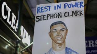 Manifestation en mémoire à Stephon Clarke le 28 mars 2018 à Sacramento.
