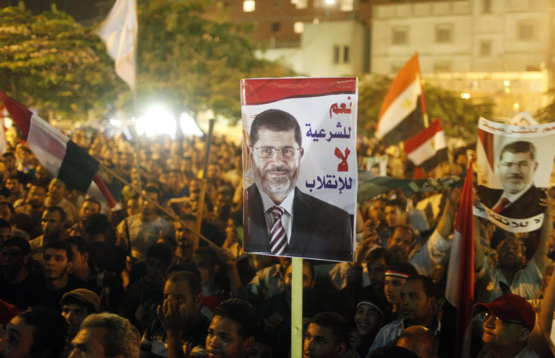 Des partisans de Mohamed Morsi au Caire, le 2 août 2013.