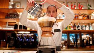 La chaîne américaine Starbucks s'est installée à Milan, en Italie.