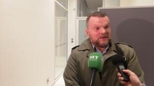 Джордже Кузманович, один из шестерых истцов, после судебного заседания. 15.03.2019