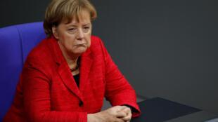 Três meses depois das eleições, Merkel ainda não conseguiu formar governo.