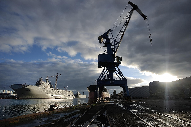 Les deux navire de guerre «Mistral» - le «Sébastopol» et le «Vladivostok» - construits à Saint-Nazaire, dans l'ouest de la France, suite à un accord entre Moscou et Paris conclu en juin 2011. Photo du 20 décembre 2014.