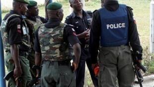Polisi wa Nigeria wakipiga doria.