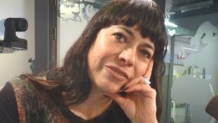 Paula Estrella en los estudios de RFI