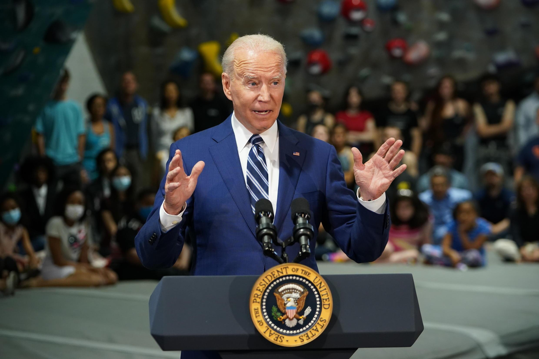 El presidente Joe Biden pide un gasto de 6 billones el próximo año para reconstruir la economía de Estados Unidos