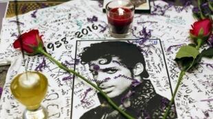 Giới hâm mộ kỷ niệm ngày giỗ của Prince 21/04 tại Harlem