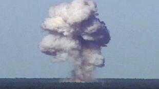 Тестирование бомбы GBU-43 во Флориде, ноябрь 2003 г.