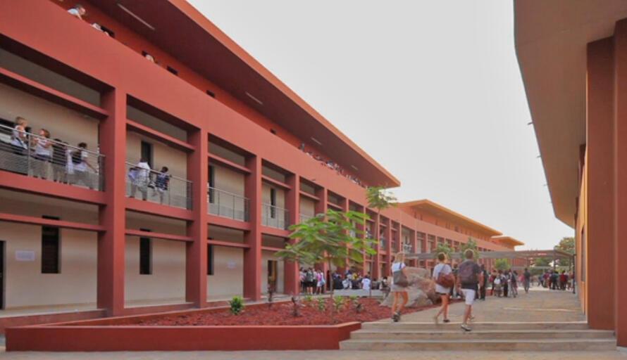 Le lycée Jean Mermoz à Dakar.
