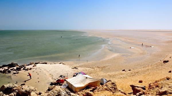 Vue du lagon, plage de Dakhla au Maroc.
