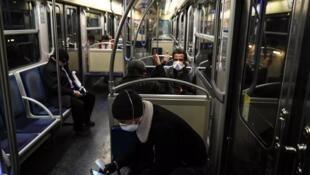 Ношение масок в метро станет обязательным
