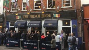 Au pub The french house, le plus « français » des pubs anglais.