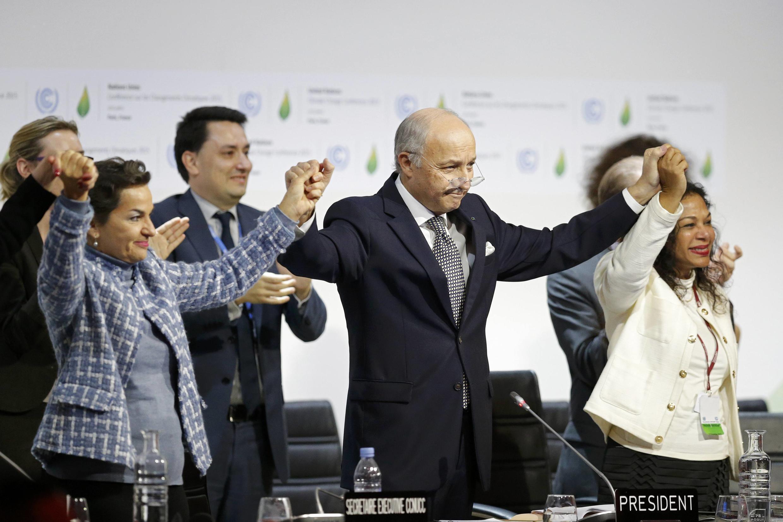 L'accord sur le climat adopté le 12 décembre 2015 à la fin de la COP21 doit entrer en vigueur le 4 novembre 2016.