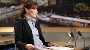 Carla Bruni-Sarkozy lors de son interview sur la chaîne de télévision française, TF1, le 16 mai 2011.