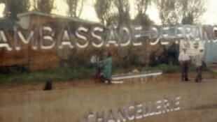 La France garde une représentation au Rwanda mais n'a pas d'ambassadeur.