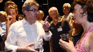 Jean-Luc Mélenchon fêtant son élection dimanche soir 18 juin à Marseille au 2e tour de l'élection législtive. Son mouvement France insoumise fait son entrée à l'Assemblée nationale.
