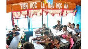 """Kể từ khi Việt Nam mở cửa, khẩu hiệu một thời """"Tiên học lễ, hậu học văn"""" rầm rộ trở lại trong các trường học"""