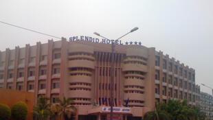 Au Burkina, le Splendid Hôtel à Ouagadougou est fréquenté par les Occidentaux et les personnels onusiens.