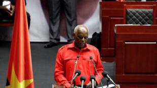José Eduardo dos Santos, Presidente de Angola e do MPLA