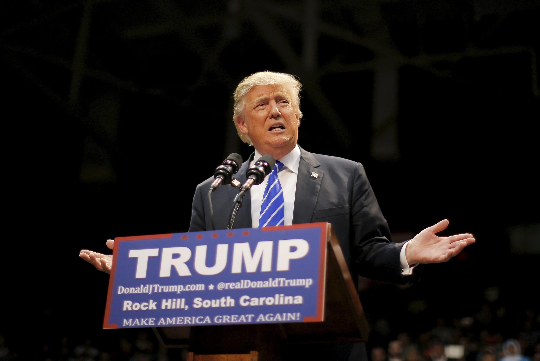 Donald Trump tại cuộc mít tinh tại tiểu bang Nam Carolina ngày 08/01/2016.