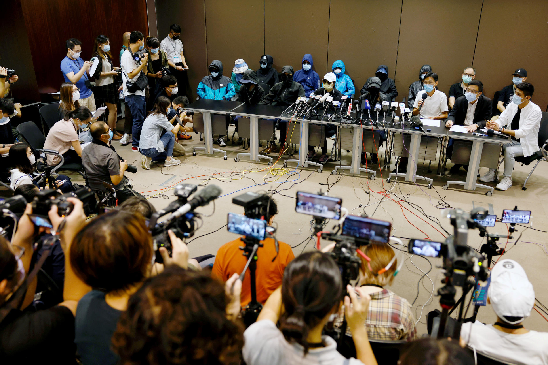 12名涉事港人家屬9月12日召開記者會資料圖片