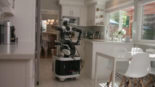 le Toyota Research Institute tente de mettre au point des robots domestiques universels.