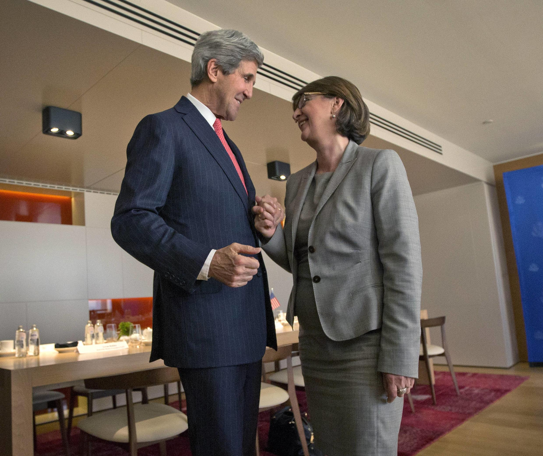 Джон Керри и Майя Парджикидзе в Брюсселе 03/12/2013