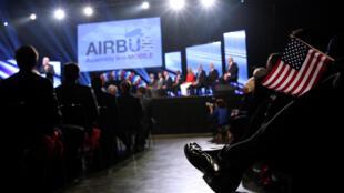 Một cuộc họp báo của tập đoàn chế tạo máy bay Airbus của châu Âu ngày 02/07/2012 tại thành phố Mobile (bang Alabama, Hoa Kỳ)