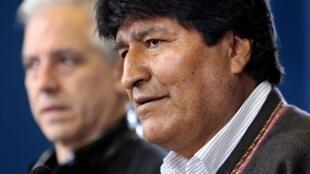 Le président bolivien Evo Morales, dont la réélection est contestée, le 9 novembre 2019 à La Paz avec son vice-président Alvaro Garcia Linera.