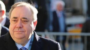 Ex-chefe do governo escocês Alex Salmond começa a ser julgado por crimes sexuais nesta segunda-feira, 9 de março de 2020.