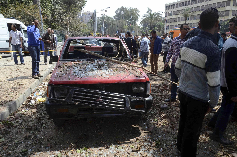 Jenerali mmoja wa polisi apoteza maisha katika shambulio la kujitowa muhanga April 2