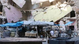 叙利亚人日常生活场景:阿勒颇一处市场。2016年8月5日。