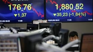 A bolsa coreana, nesta terça-feira (6), reflete o nervosismo dos mercados .