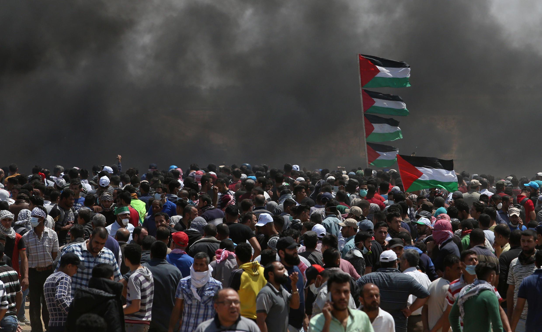 На границе сектора Газа прошли массовые манифестации палестинцев, протестовавших против решения США перенести посольство в Иерусалим