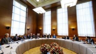 As negociações sobre o programa nuclear do Irã, começaram em Genebra nesta terça-feira. O Ministro das Relações Exteriores do Irã, Mohammad Javad Zarif, manifestou esperança que Teerã pode chegar a um acordo com as potências mundiais.