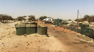 L'entrée du camp de la Minusma et de Barkhane à Tombouctou après l'attaque du 14 avril revendiquée par le GSIM.