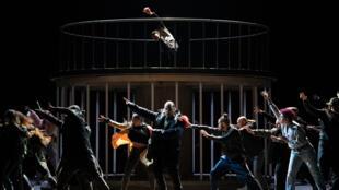 « Les Indes galantes », une relecture hip hop de l'opéra de Jean-Philippe Rameau par Bintou Dembélé à l'Opéra national de Paris.