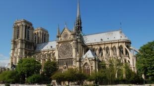 A catedral de Notre-Dame de Paris.