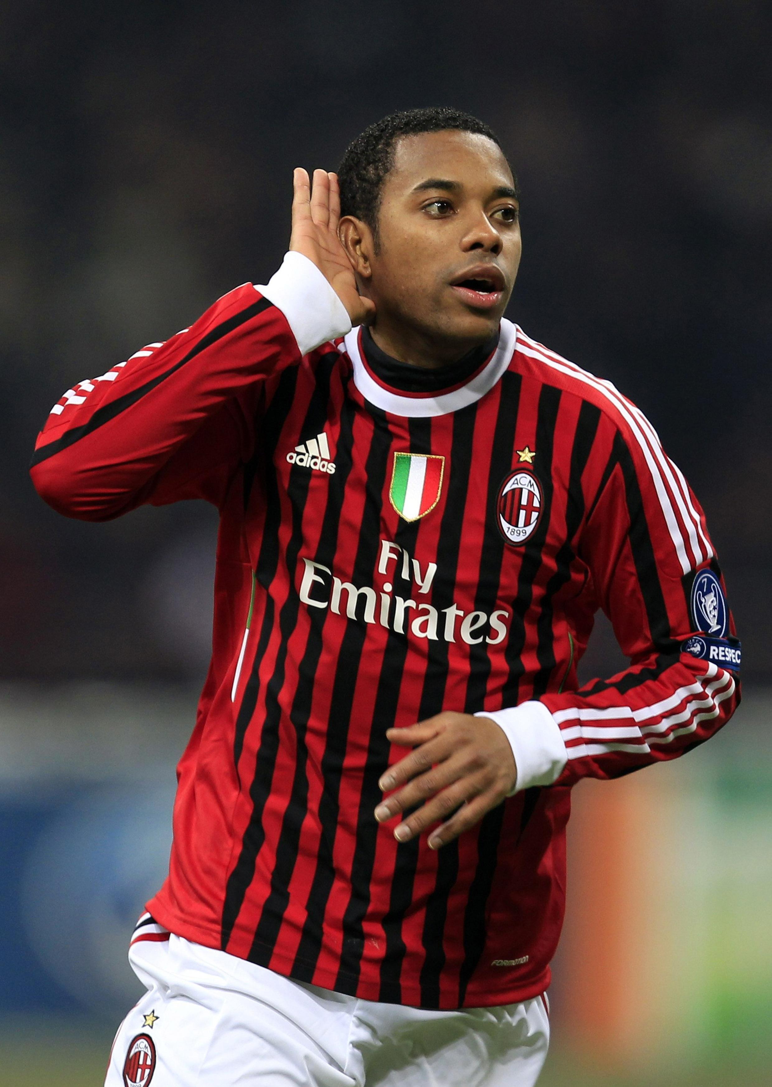 Robinho, atacante do Milan, comemora gol contra o Arsenal nesta quarta-feira.