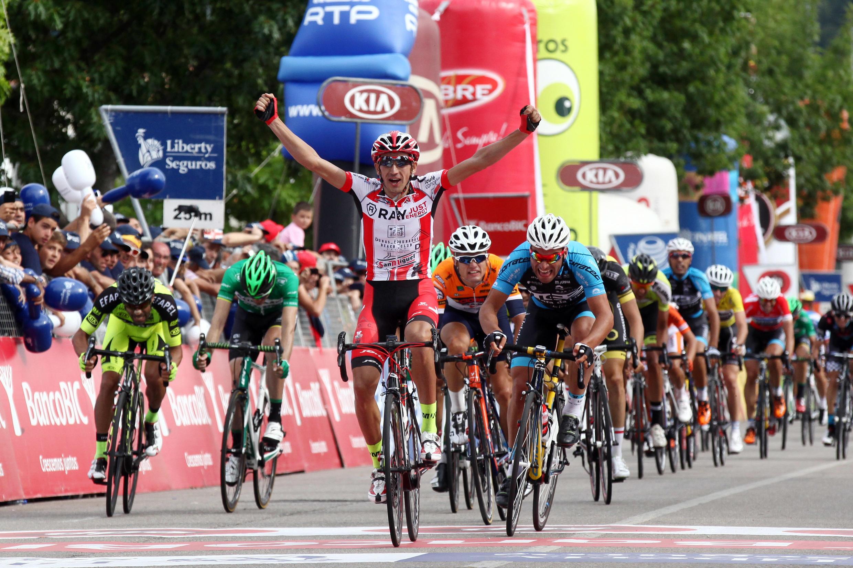 Vicente de Mateos, ciclista espanhol da equipa Louletano-Ray Just Energy, venceu a primeira etapa ao sprint.