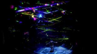 Une photo de l'opéra rock «Wonder.land», au Théâtre du Chatelet, jusqu'au 16 juin.