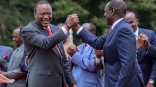 Les deux tribus sont regroupées dans une alliance politique au sein du Jubilee d'Uhuru Kenyatta (g), Kikuyu, et de William Ruto (d), Kalenjin.