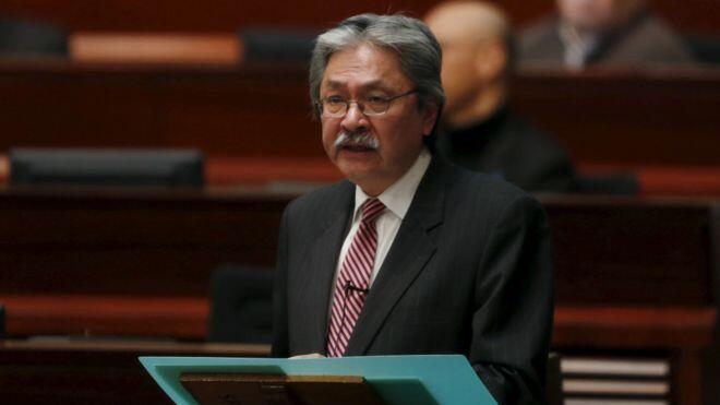 摄于2016年2月24日曾俊华在立法会公布预算案时。